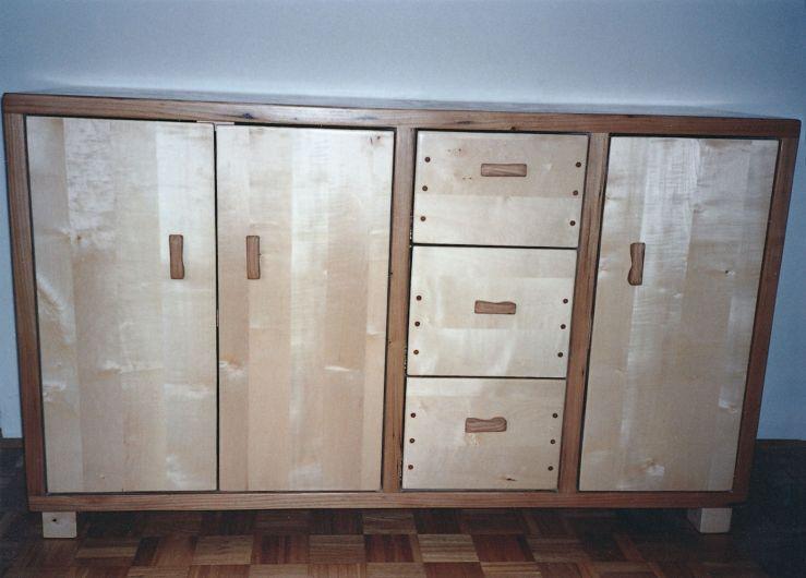Nizke omare za dnevno sobo