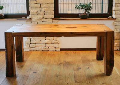 Stoli, mize, pohištvo
